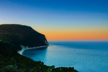 sirolo-il-mare-al-tramonto-02cd4a9a-7958-41c7-8432-96156f7f8b9b