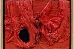 Burri, rosso plastica
