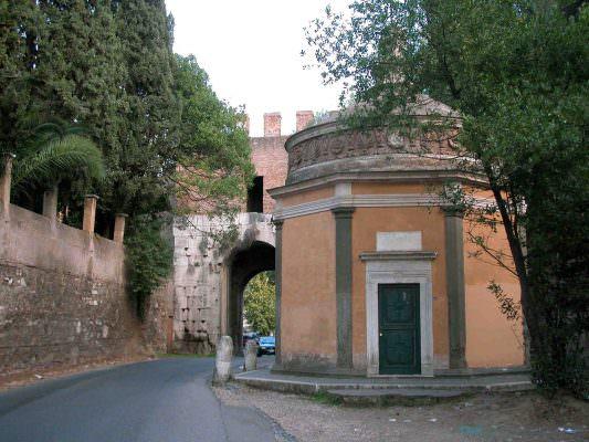 Roma - Porta Latina S. Giovanni in oleo