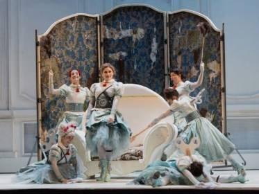 Cenerentola-di-Rossini-regia-Emma-Dante-ph.Yasuko-Kageyama-Opera-Roma-9