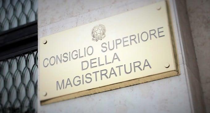 Csm: organo che DOVREBBE garantire l'autonomia e l'indipendenza della magistratura italiana.